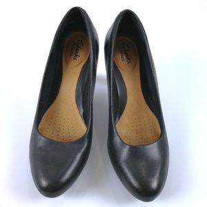 Clarks Pumps Women's 6M Black Leather Heels